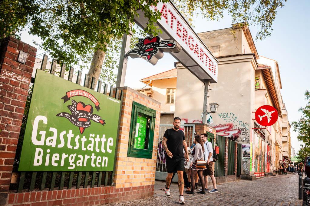 Berlin: Craft Beer Szene. Biergarten.