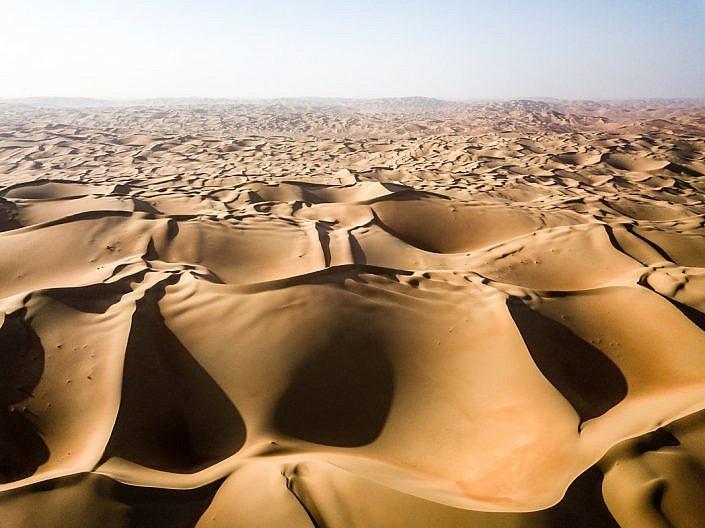 Drohne, Drohnenaufnahme mit DJI Mavic Pro. Wüste Rub al-Khali in Abu Dhabi