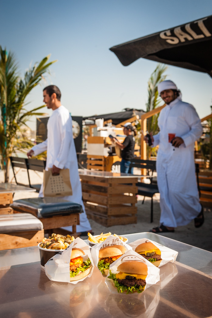 Vereinigte Arabische Emirate: Dubai. Strand. Beach. Salt Food Truck