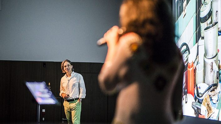 """Lutz Jäkel & Dayami Grasso mit ihrer Live-Reportage """"Die Schätze Havannas. Kuba mit allen Sinnen erleben""""."""