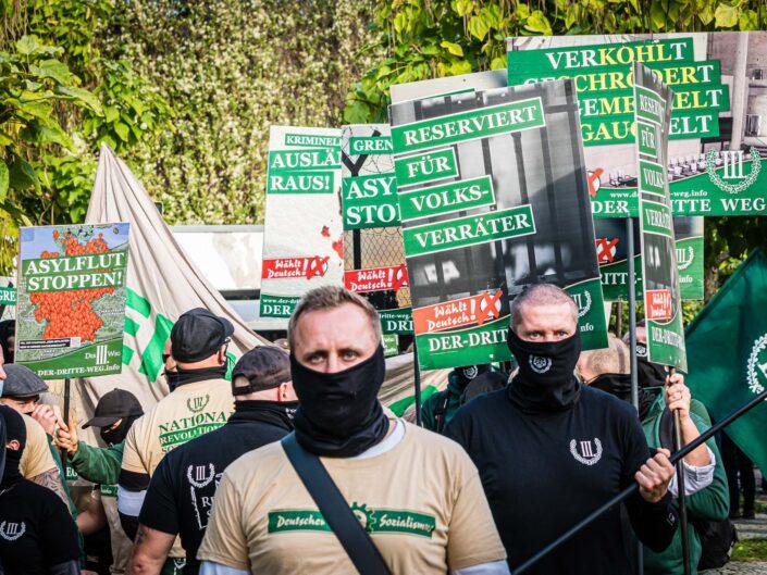 "Neonazi-Partei ""Der III. Weg"""